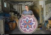 آخرین بازمانده هنر سنتی نمدبافی در شیراز + تصویر