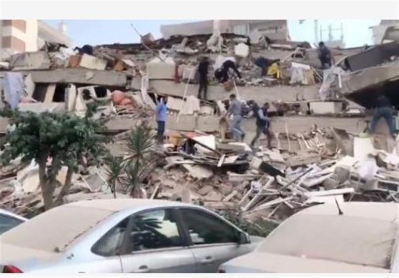 Zarif: Iran Ready to Help Turkey after Quake