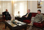 رایزنیهای ژنرال میلر و سفارت آمریکا با کرزی درباره صلح افغانستان