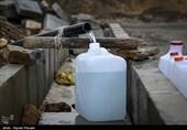بحران آب در ایران|صفهای طولانی مردم برای تهیه آب شرب سالم در روزهای کرونایی/خطر بیماری در کمین شهروندان سنندجی