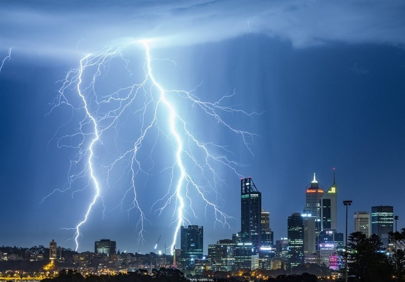 Scientists Develop Laser 'Tractor Beam' System That Can Change Path of Lightning