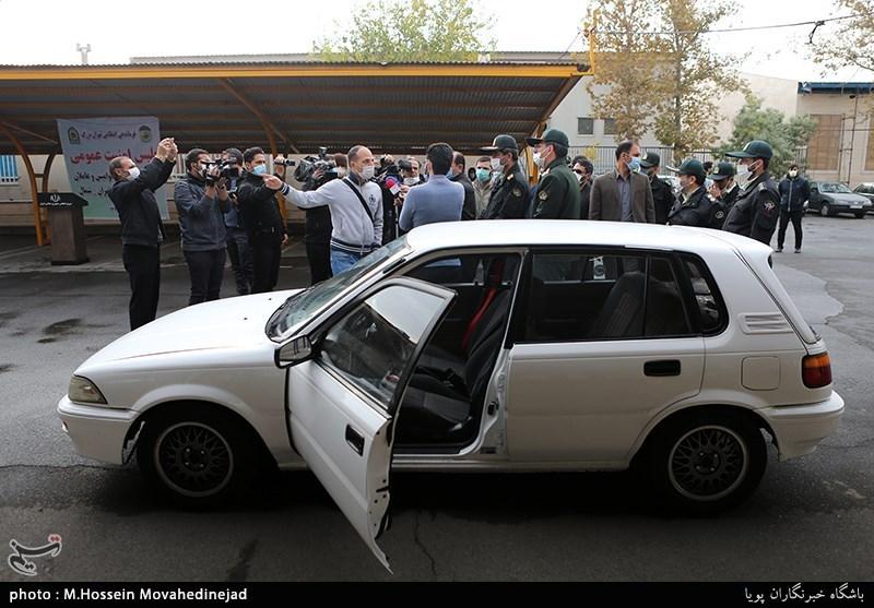 خودرویی که توسط زورگیران تخریب شد