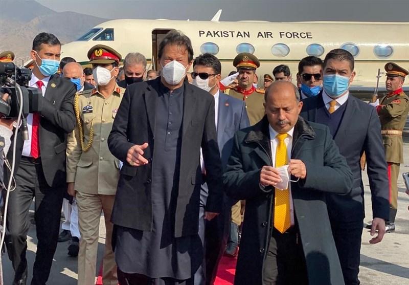 عمران خان همزمان با کاهش نظامیان آمریکایی و بنبست مذاکرات به کابل رسید