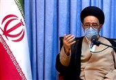تاکید امام جمعه تبریز بر لزوم ارتقاء فرهنگ بسیج در هیئات مذهبی/ تفکر بسیجی راه علاج کشور در جنگ اقتصادی است