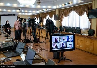خبرنگاران از طریق ویدیو کنفرانس سوالات خود را از سخنگوی دولت پرسیدند