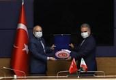 دیدار سفیر ایران در ترکیه با رئیس کمیسیون سیاست خارجی پارلمان این کشور