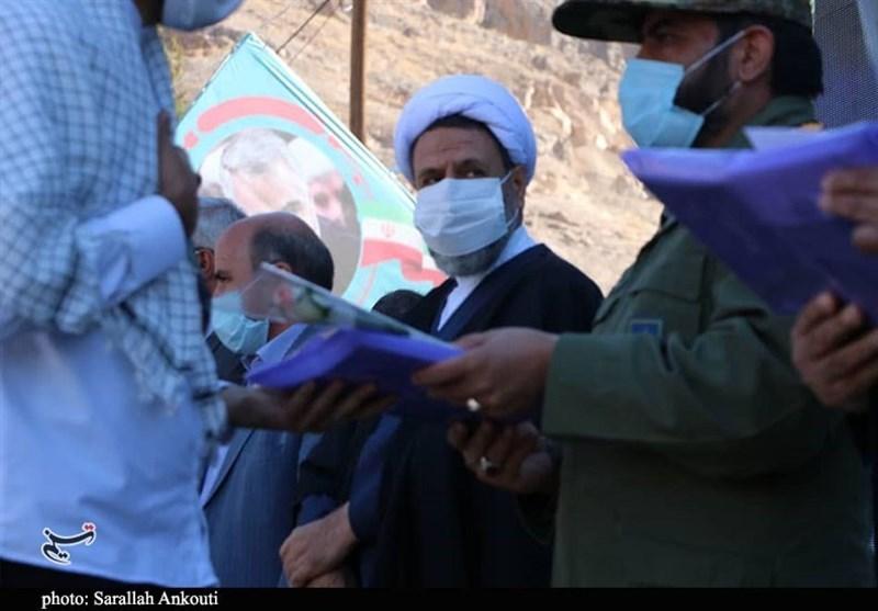 آزادی 138 زندانی محکوم مالی استان کرمان از جوار مزار حاج قاسم به روایت تصویر