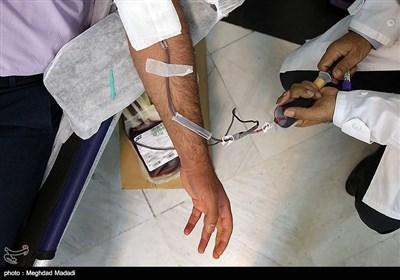 لبیک خادمیاران رضوی به نیاز اهدای خون + فیلم