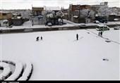آخرین وضعیت کردستان پس از بارش سنگین برف/ مدارس روستایی شهرستان سقز تعطیل شد/قطعی برق 20 روستا