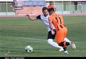 تماشای بخشی از بازی دو تیم فوتبال مس کرمان و شاهین شهرداری بوشهر از دریچه دوربین
