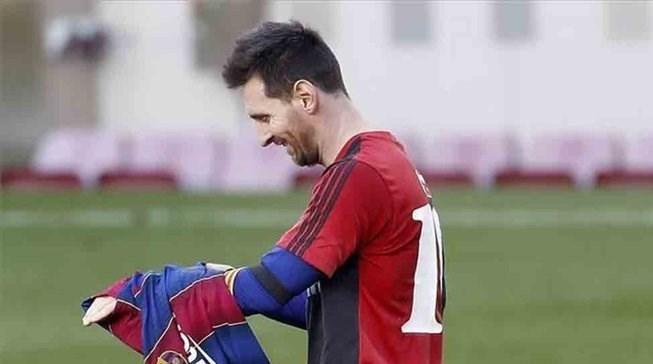 دیگو آرماندو مارادونا , لیونل مسی , تیم فوتبال بارسلونا ,