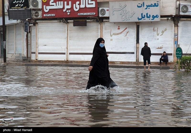 ادارات و بانکهای شهر بندرامام خمینی تعطیل شد
