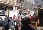 بسیج در آواربرداری مناطق زلزلهزده دنا در کنار مردم است