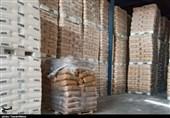 پلمب انبار احتکار مواد اولیه پی.وی.سی در منطقه صنعتی کمشچه به روایت تصویر