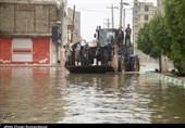موج همدلی در بندر امام (ره) برای امدادرسانی به آسیبدیدگان آبگرفتگی منازل به روایت تصویر