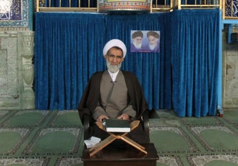 """واکنش امام جمعه شهرکرد به اظهارات ظریف/ """"مردم میدان"""" برای دیپلماسی اقتدار ایجاد میکرد"""