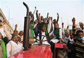 Thousands of Indian Farmers Protest New Agriculture Laws (+Video)