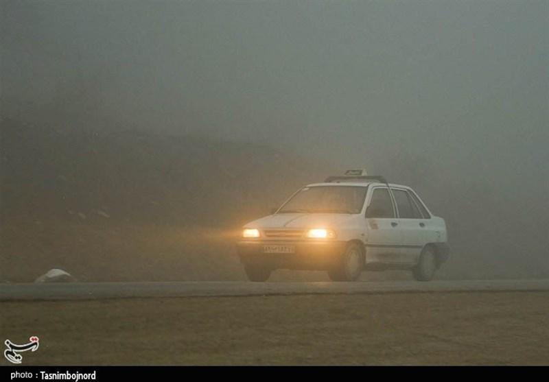 مه شدید در جادههای استان ایلام/ دید افقی به کمتر از 50متر کاهش یافت