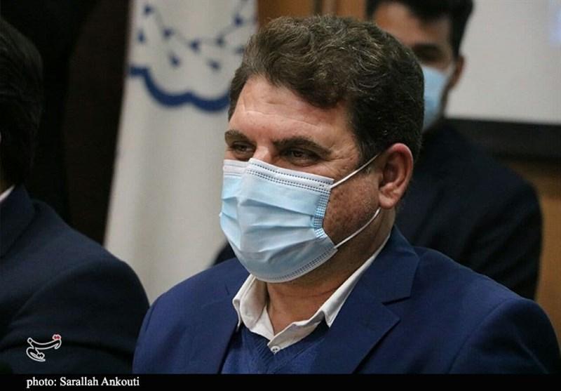 استاندار کرمان: قوانین بانکی باید به نفع تولید کننده و سرمایهگذار به روزرسانی شود/ تأمین مالی با قوانین سنتی دهه 40 سخت است