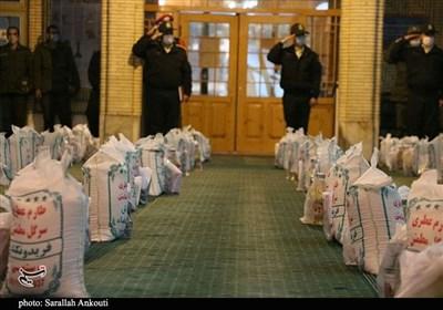 اجرای طرح مواسات و همدلی مؤمنانه پلیس استان کرمان/ اهدای ۱۳ هزار بسته معیشتی به نیازمندان در مناطق محروم