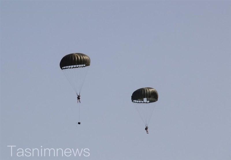 اخبار رزمایش| هجوم نیروهای هوابرد به مواضع دشمن در سواحل مکران