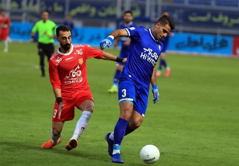 Esteghlal Moves Top of Iran Professional League