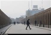 ادامه محدودیتهای مرتبط با آلایندهها در اصفهان؛ آمبولانسها در چهاراههای اصلی مستقر میشوند