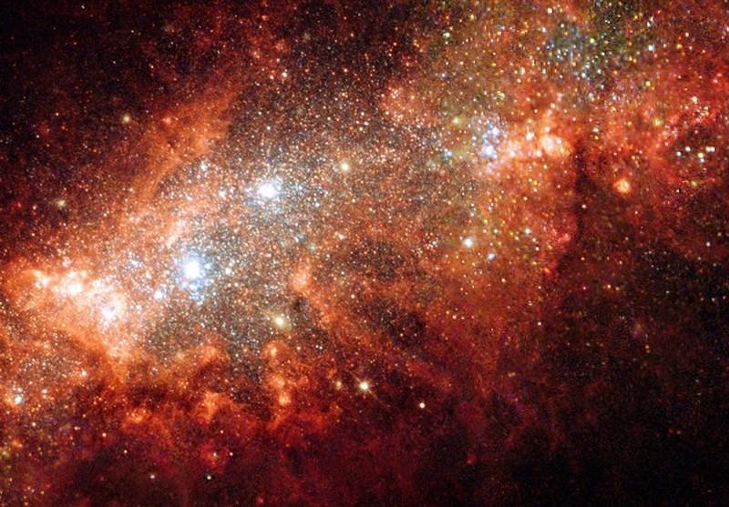 انفجار هائل فی مجرة تبعد عن کوکب الارض 32 ملیار سنة ضوئیة