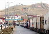 گلایه رانندگان از صف چند کیلومتری در مرز بازرگان/ گمرک: ترکیه و نخجوان عامل اصلی صف کامیونهای ایرانی هستند
