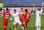 لالیگا  رئال مادرید دهمین پیروزی فصلش را در خانه گرانادا جشن گرفت