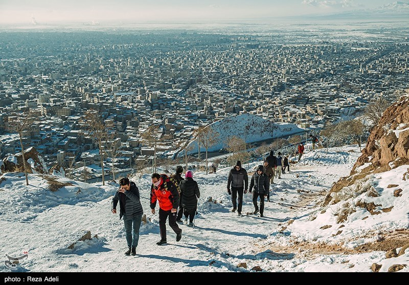 At Least 7 Die in North Tehran Mountains during Heavy Snowfall, Blizzard (+Video)