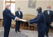 سفیر غنا رونوشت استوارنامه خود را تقدیم ظریف کرد