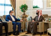 سفر عراقچی به قطر یک روز پس از گفتگوی تلفنی ظریف با وزیر خارجه قطر