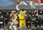 لیگ NBA| پیروزی لیکرز با درخشش جیمز در سالگرد درگذشت برایانت