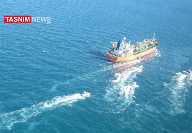 ایران یک کشتی با پرچم کرهجنوبی را توقیف کرد+تصاویر