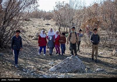 """70روستای بالای 20خانوار استان زنجان همچنان محروم از اینترنت/ آیا داستان """"آموزش دانشآموزان روستایی بر فراز کوهها"""" دوباره تکرار میشود؟"""