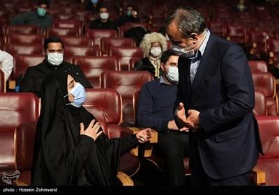 علیرضا رزم حسینی وزیر صنعت، معدن و تجارت و زینب سلیمانی فرزند سپهبد شهید حاج قاسم سلیمانی