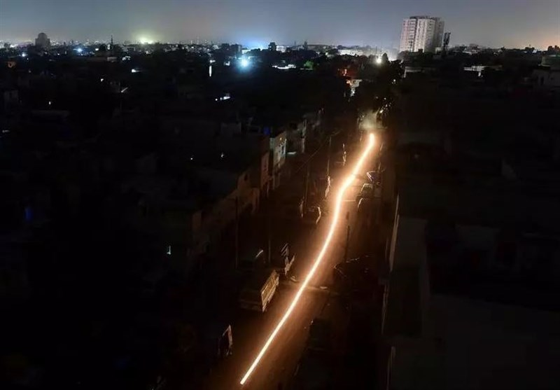 Pakistan Hit by Nationwide Power Outage (+Video)