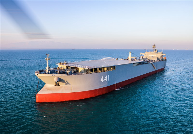 حرس الثورة یوجه تحذیراً لـ 7 سفن أمریکیة فی مضیق هرمز