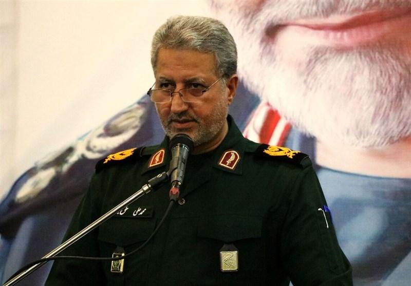 ماجرای بوسه زدن شهید سلیمانی بر دست سردار حقبین و افتخاری که برای مردم گیلان ثبت شد+عکس