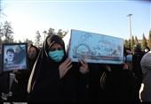 تشییع و تدفین 2 شهید گمنام در شیراز؛ مستقل از هر نگاه و گرایشی باید به شهدا احترام بگذاریم