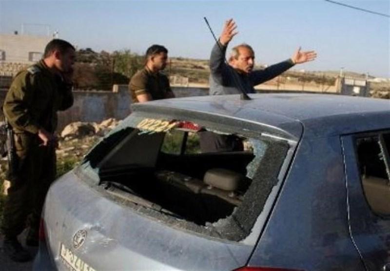 یورش گسترده نظامیان صهیونیست به کرانه باختری/ شهرکنشینان افراطی دو خودرو فلسطینی را به آتش کشیدند