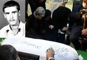 """پایان چشمانتظاری پس از 38 سال / لحظه اعلام خبر شناسایی پیکر مطهر شهید """"صدقی"""" به خانوادهاش + فیلم"""