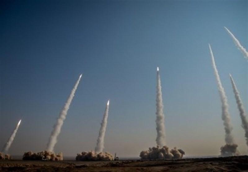 مرحله نخست رزمایش موشکی و پهپادی سپاه برگزار شد/ شلیک انبوه موشکهای بالستیک با سرجنگی هدایت شونده+فیلم