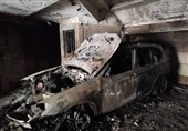 تهران| سوختن کامل BMW در آتش/ نجات 25 نفر از ساکنان محبوسشده + فیلم و تصاویر
