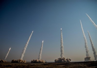 پهپاد انتحاری؛ تدبیر سپاه برای عبور از سپرهای دفاع موشکی/ رد بالستیکهای ایران در اقیانوس هند| گزارش تسنیم از رزمایش پیامبر اعظم15