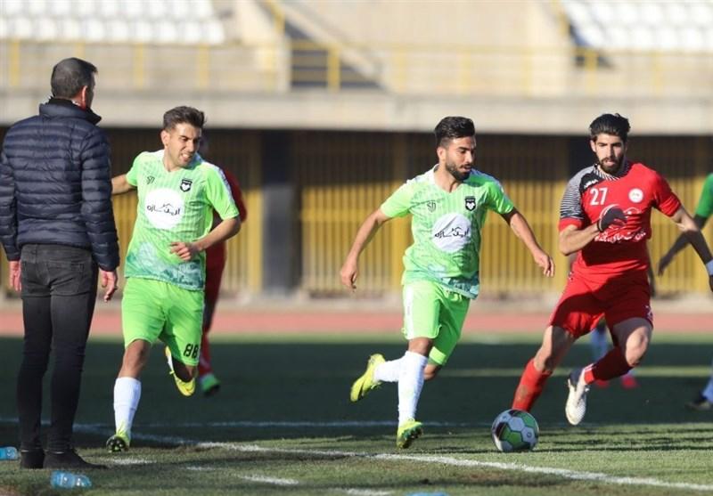 لیگ دسته اول فوتبال| تقابل ویسی با استقلال خوزستان و کار سخت هوادار در انزلی