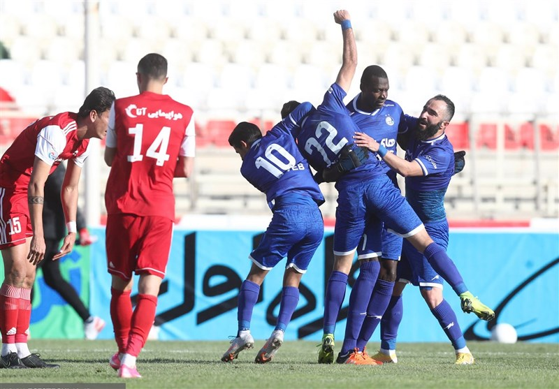 Esteghlal Moves Top of IPL