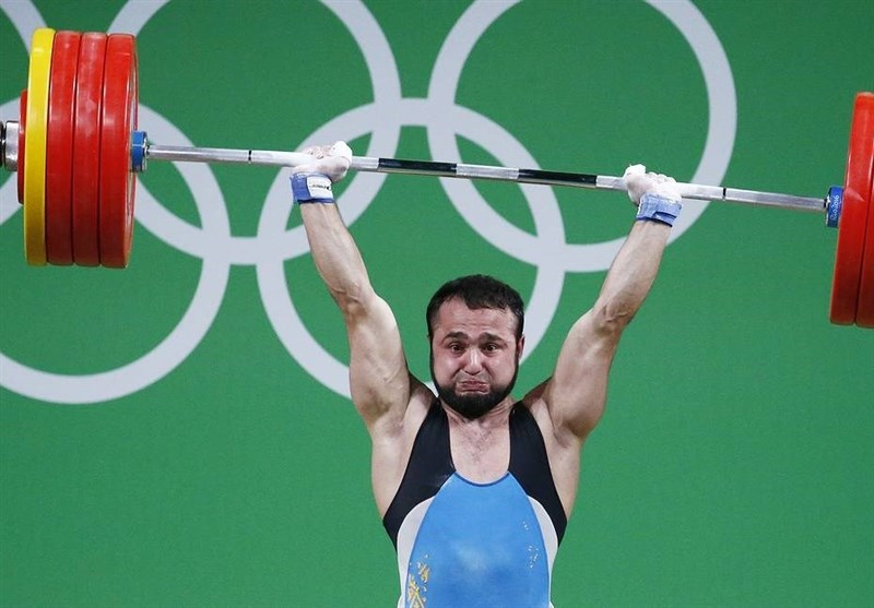 محرومیت موقت قهرمان وزنهبرداری المپیک