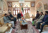 دیدار صمیمانه سفیر ایران در صنعا با جوانان یمنی